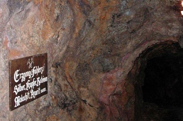 erzstollen-bergwerk-bergbau-tirol-wildschoenau-silberbergwerk-silber-abbau-mine-wildschoenau-thierbach-lehenlahn