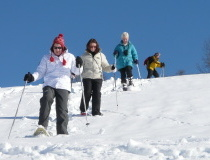 guided-tour-snowshoeing-guided-tour-trip snowshoes