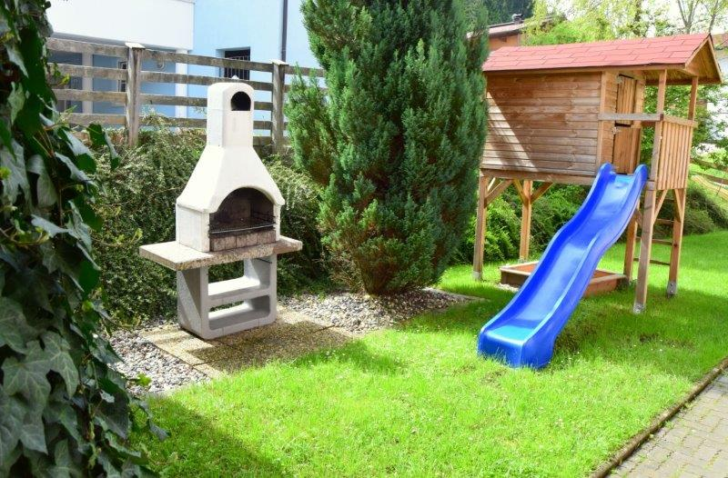 playground-for-kids-apartment-holidays-with-children-austria-ferienwohnung-mit-kindern-urlaub-kinderurlaub-kinderhotel