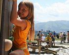 Kletterwand-barn-barn-klättring äventyr-action-action-fun-park-kids-Ellmau Soell pågående